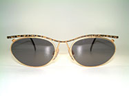 Cazal 1101 - Point 2 - 90's Ladies Sunglasses Details