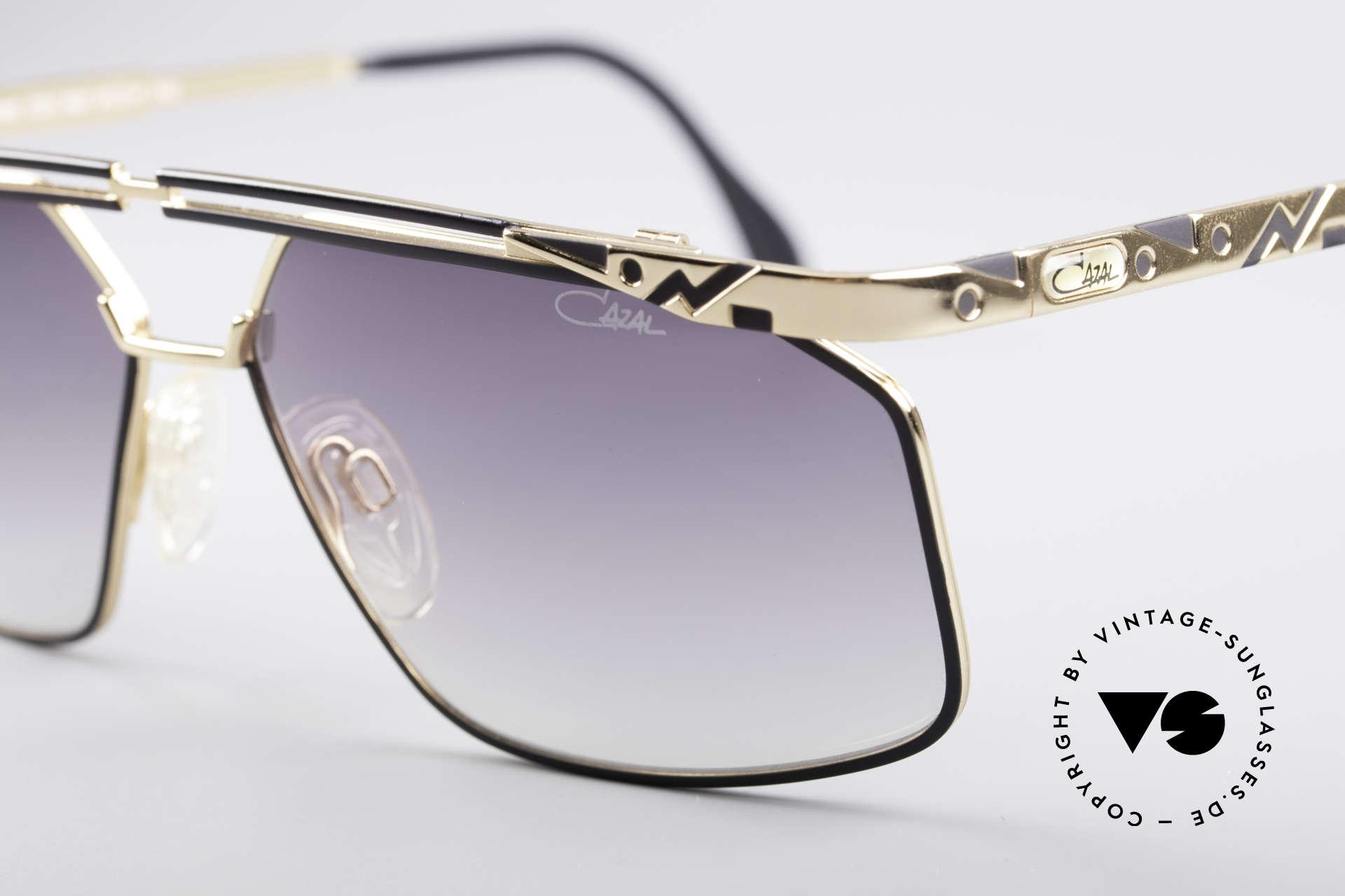 Cazal 966 Markante 90er Designer Brille, tolle Metallarbeiten mit dezentem Rahmenmuster, Passend für Herren