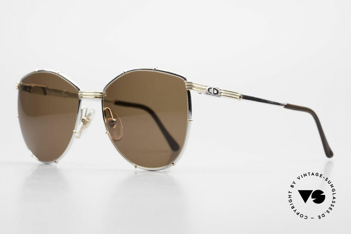 Christian Dior 2472 80er Vintage Designerbrille, zweifarbiger Metall-Rahmen; sehr reich an Details, Passend für Damen