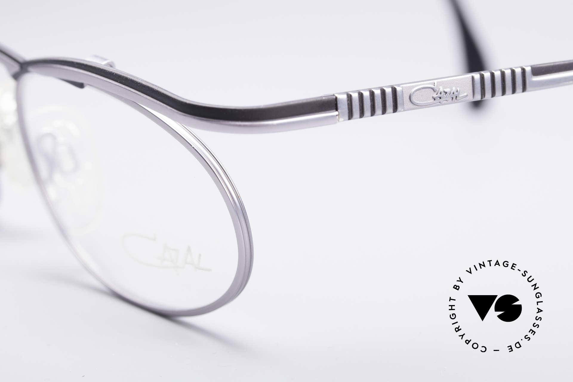 Cazal 771 90er Original KEINE Retrobrille, enorm hochwertige Lackierung in teflon-schwarz, Passend für Herren und Damen