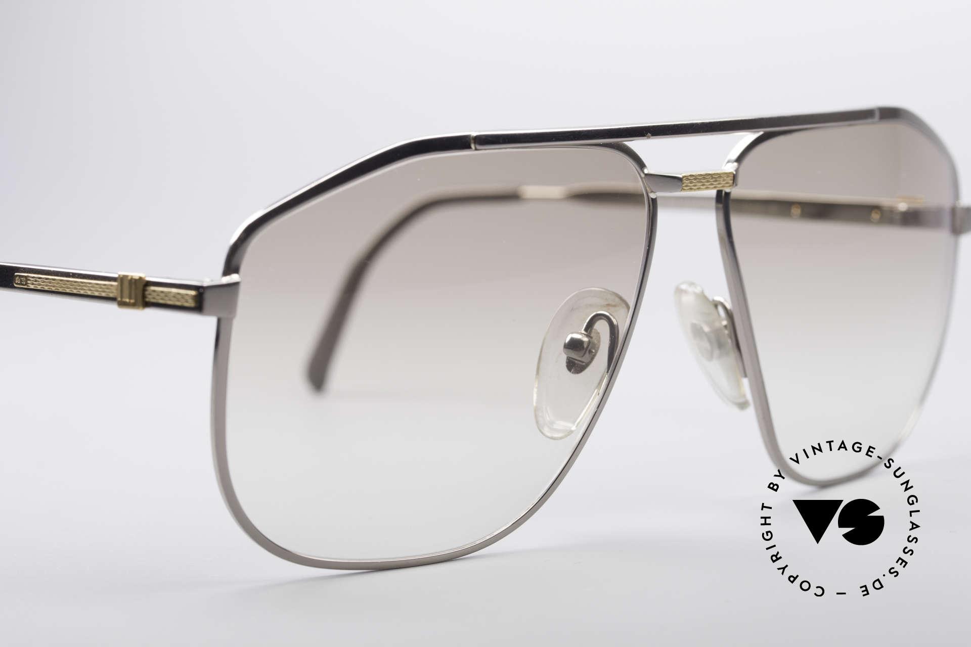 Dunhill 6096 Titanium Fassung 18kt Echtgold, Dekor ist 18kt Echtgold & nur ganz leicht getönte Gläser, Passend für Herren