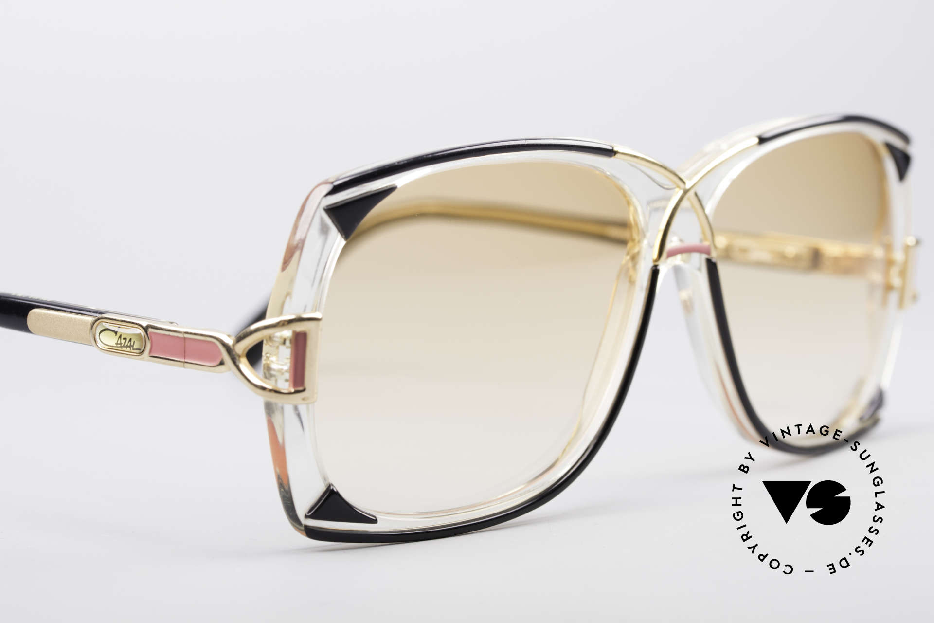 Cazal 193 Original 80er Sonnenbrille, ungetragen (wie alle unsere vintage Cazal-Brillen), Passend für Damen