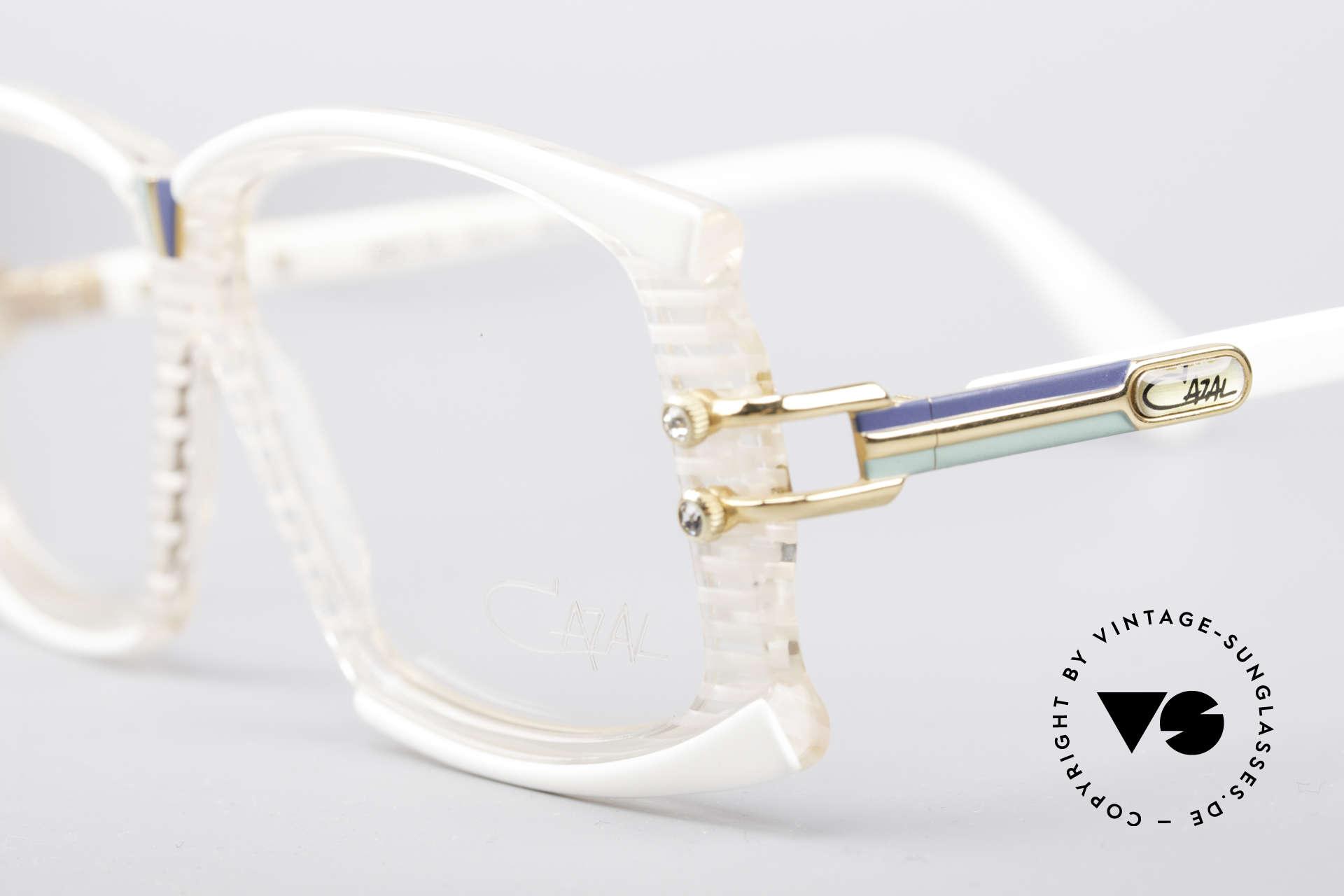 Cazal 195 80er Hip Hop Brille, zudem mit 4 Strass-Applikationen als Zierschrauben, Passend für Damen
