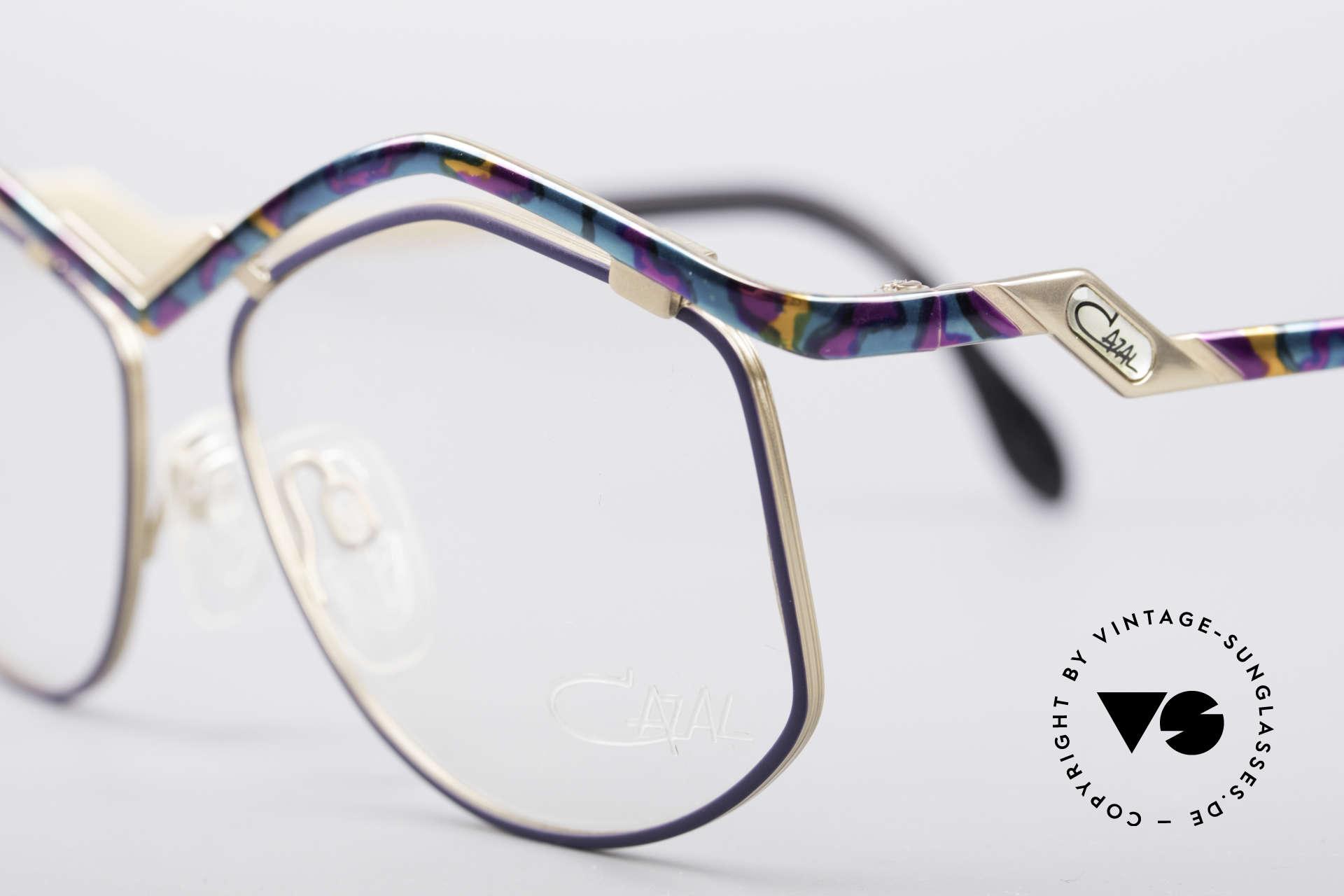 Cazal 249 Pop Art Design Titanium, ungetragen (wie alle unsere vintage Titanbrillen), Passend für Damen
