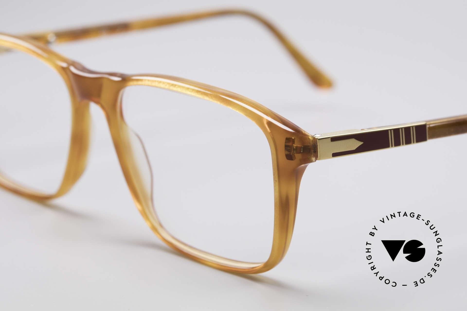 Persol Manager 13 Ratti Vergoldete 80er Brille, absolutes Top-Produkt in Design sowie in Verarbeitung, Passend für Herren