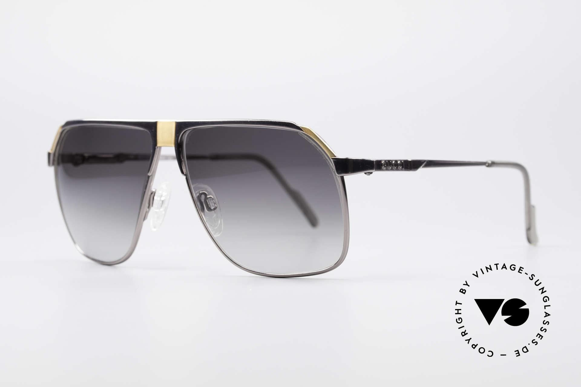 Gucci 1200 80er Luxus Sonnenbrille, Gucci's Pilotenbrillendesign mit Federscharnieren, Passend für Herren