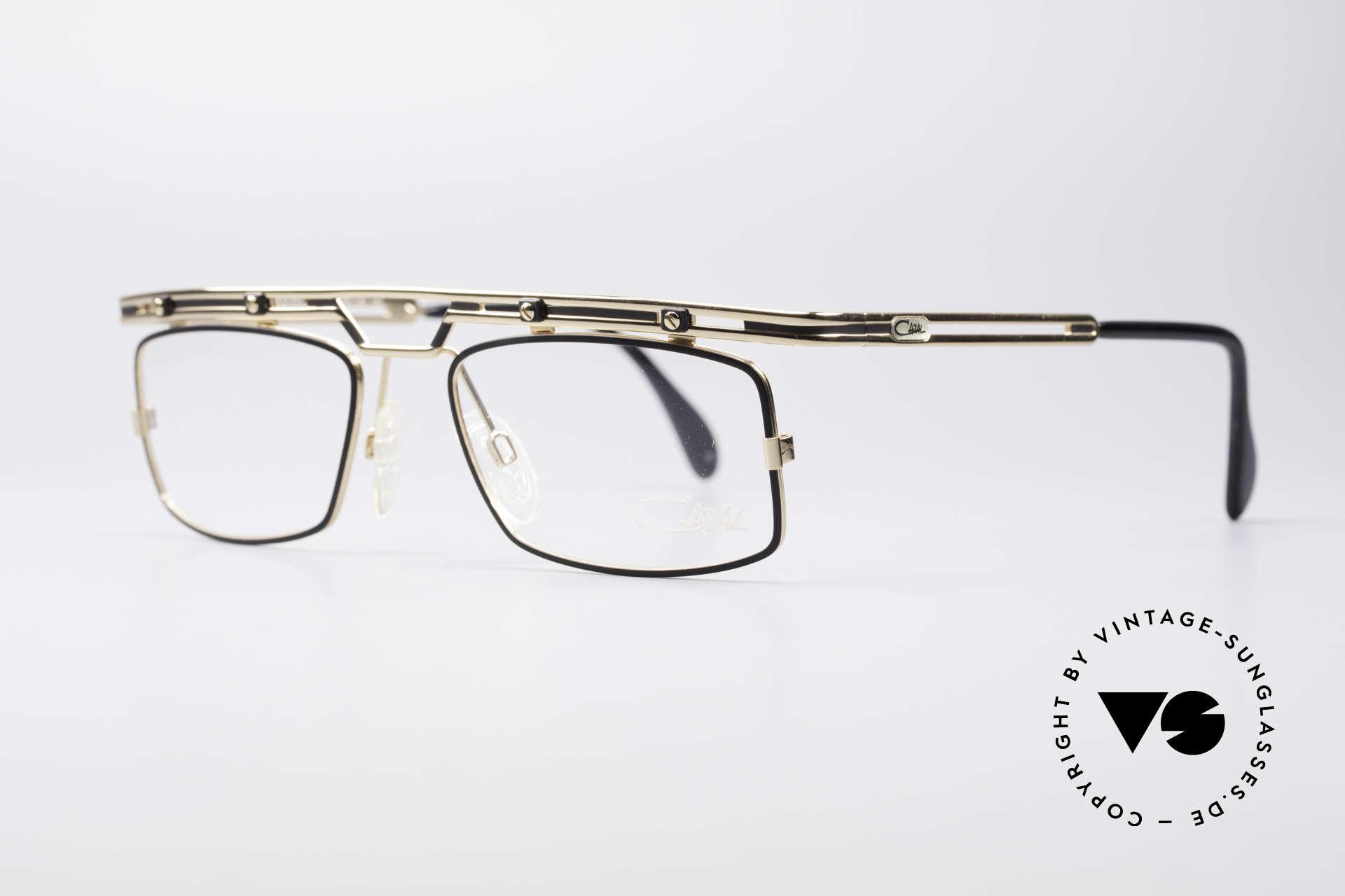 Cazal 975 Vintage 90er Designer Brille, tolle Metallarbeiten & ein außergewöhnlicher Look, Passend für Herren