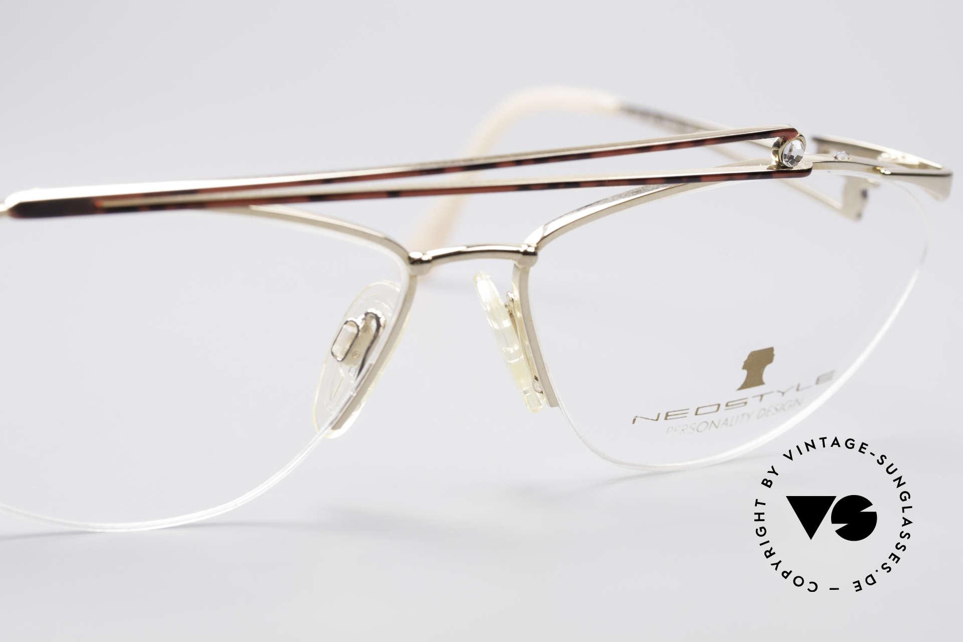 Neostyle Jet 221 Schmuckstein Vintage Brille, ungetragen (wie alle unsere vintage Neostyle Brillen), Passend für Damen