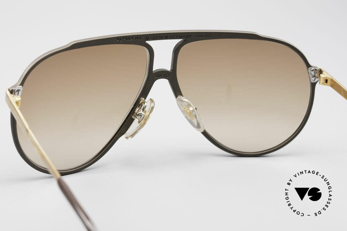 Alpina M1 West Germany Sonnenbrille, ungetragenes Sammlerstück mit Etui von Versace, Passend für Herren und Damen