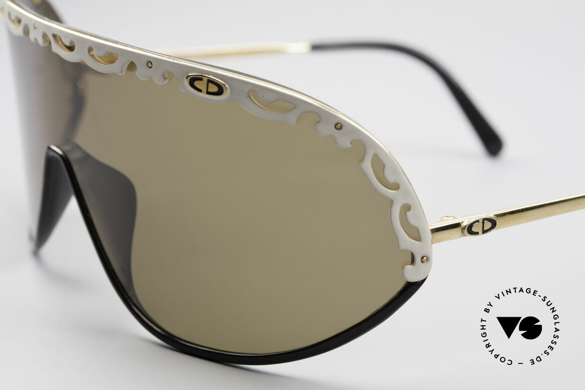 Christian Dior 2501 80er Designer Sonnenbrille, hoher Tragekomfort und Top-Qualität (polarisierend), Passend für Damen