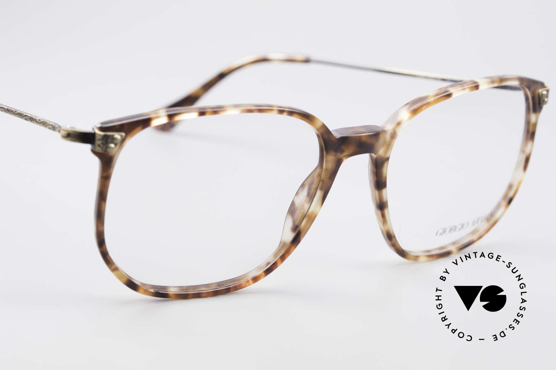Giorgio Armani 335 Echte Vintage Unisex Brille, ungetragen (wie all unsere Armani Design-Klassiker), Passend für Herren und Damen