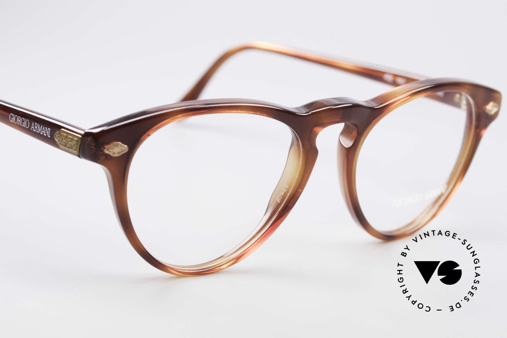 Giorgio Armani 418 ErdbeerForm Vintage Brille, ungetragen (wie all unsere Armani Design-Klassiker), Passend für Herren und Damen