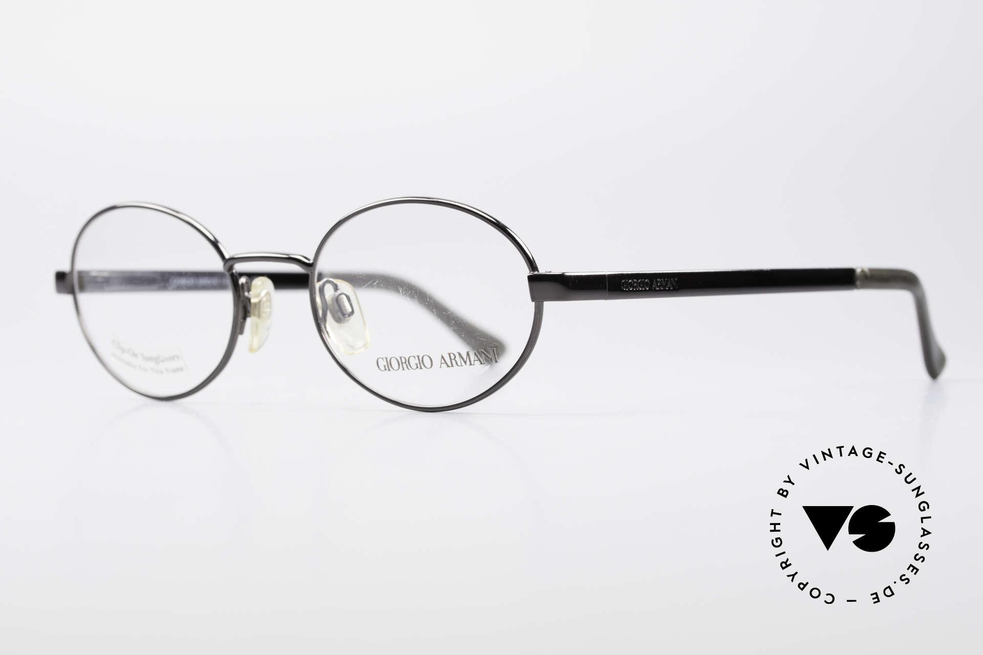 Giorgio Armani 257 Ovale Vintage Fassung 90er, Lackierung in 'gunmetal' und flexible Federscharniere, Passend für Herren und Damen