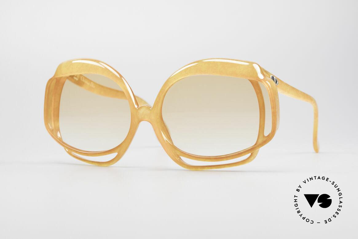 Christian Dior 2026 XXL 70er Sonnenbrille, ultra-auffälliges Sonnenbrillen-Design von Christian Dior, Passend für Damen