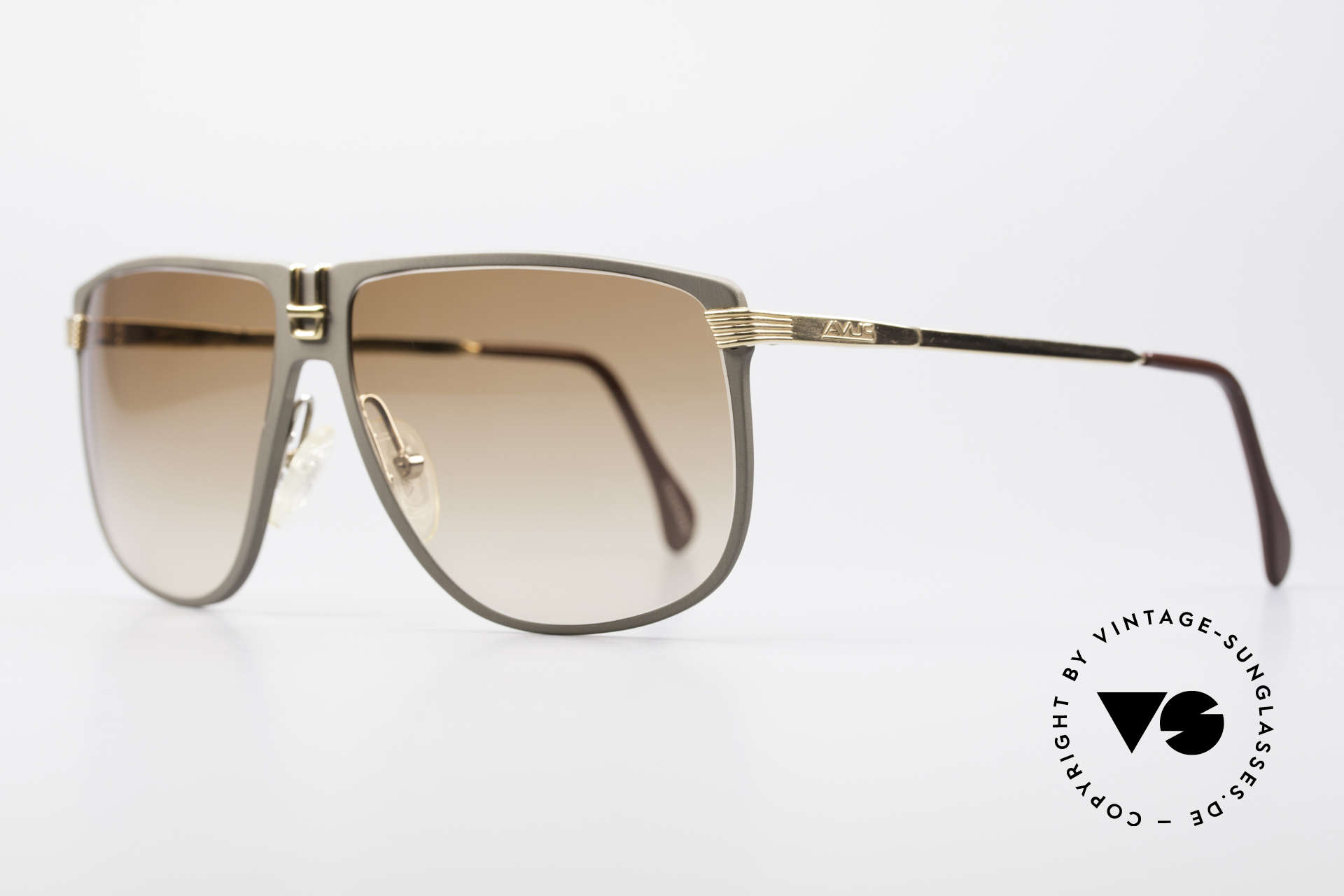 AVUS 210-30 West Germany Sonnenbrille, produziert in gleicher Fabrik wie die berühmte Alpina M1, Passend für Herren