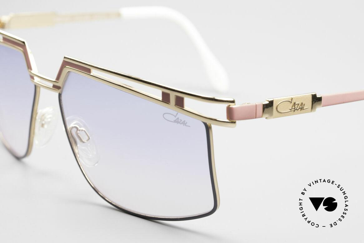 Cazal 957 Grosse HipHop Vintage Brille, Code 369 = pink/grau mit Verlaufsgläsern in blau-rosé, Passend für Herren und Damen