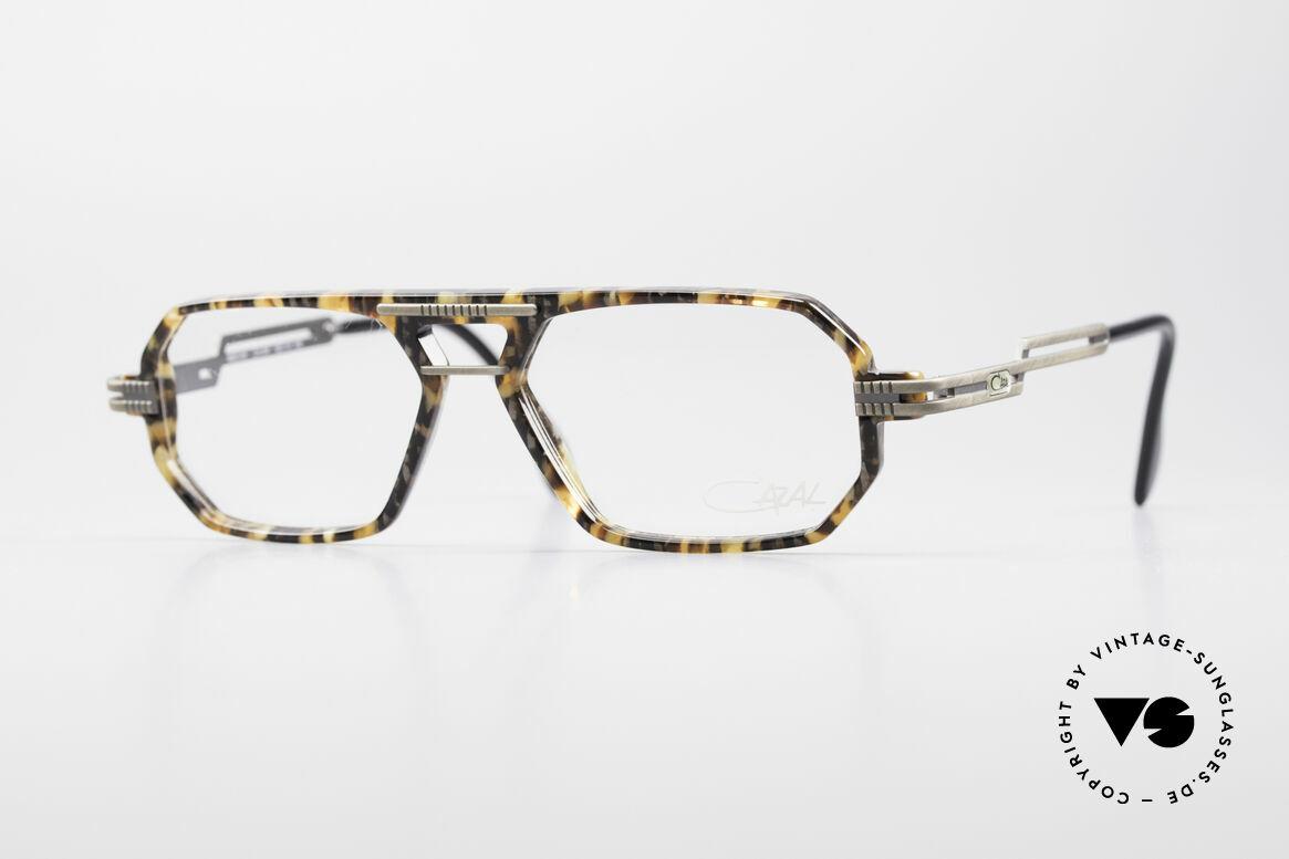 Cazal 651 Rare Vintage Brillenfassung, eckige Cazal Lesebrille in sehr interessanter Farbe, Passend für Herren