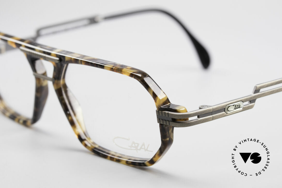 Cazal 651 Rare Vintage Brillenfassung, ungetragen (wie alle unsere Cazal DesignerBrillen), Passend für Herren