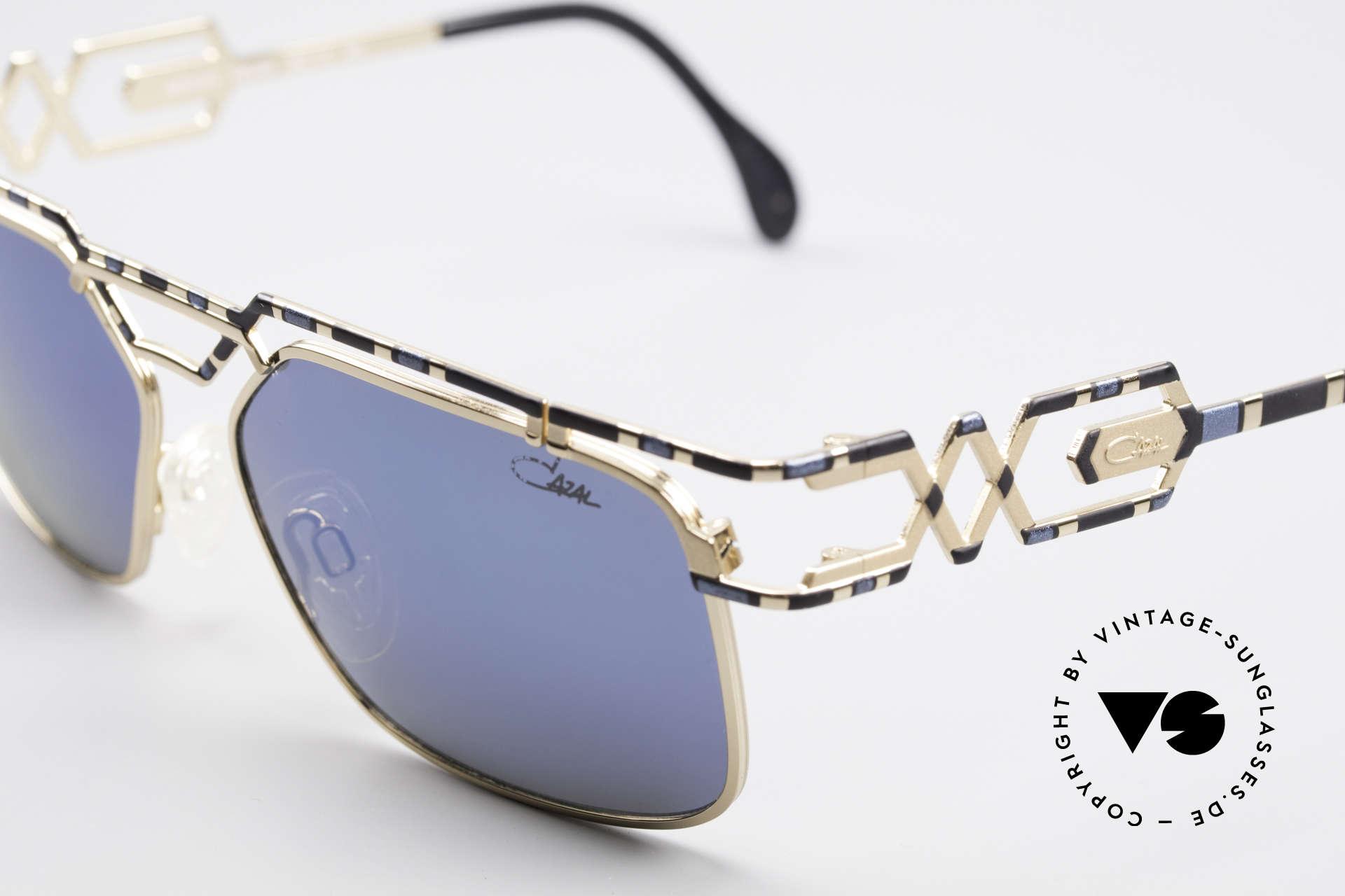 Cazal 973 Blau Verspiegelte Sonnenbrille, verspiegelte Gläser mit UV PROTECTION Markierung, Passend für Herren und Damen