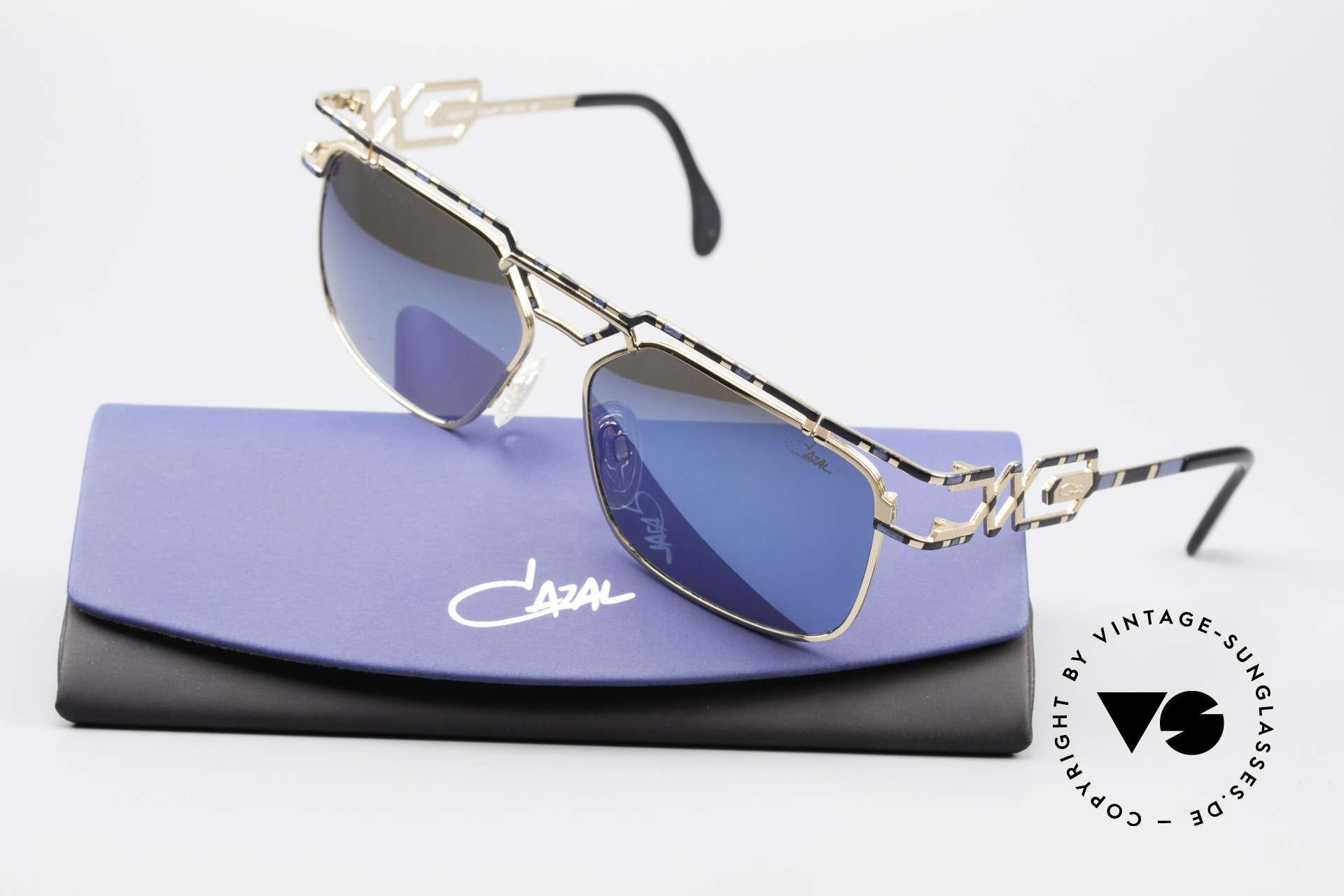 Cazal 973 Blau Verspiegelte Sonnenbrille, ein Highlight für alle Design- und Qualitätsliebhaber, Passend für Herren und Damen