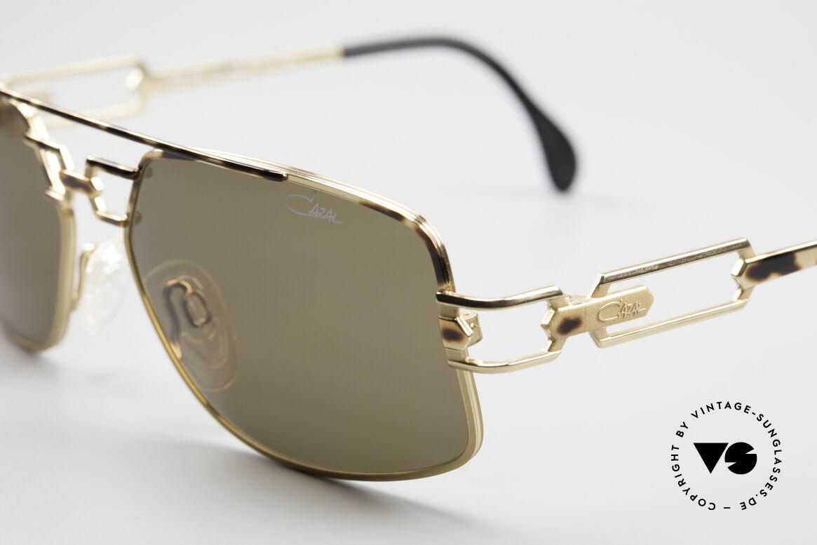 Cazal 972 Designer Sonnenbrille 90er, ungetragen; wie alle unsere vintage CAZAL 90er Brillen, Passend für Herren und Damen