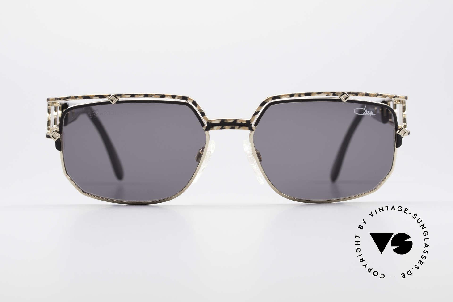 Cazal 979 Vintage Damen Sonnenbrille, sehr markante Front mit anspruchsvollem Bügel-Dekor, Passend für Damen
