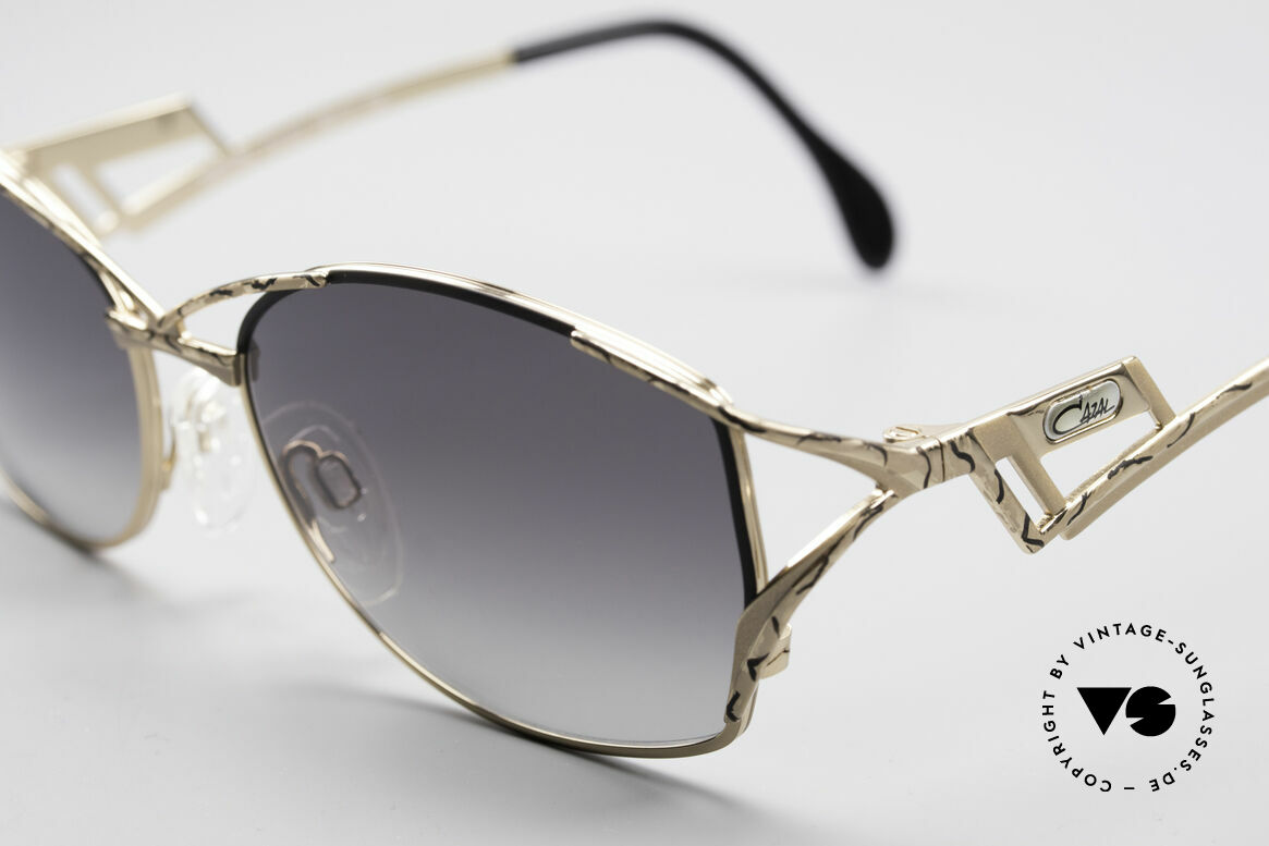Cazal 284 Luxus Vintage Sonnenbrille, Cazal beschreibt das Muster mit 'champagner/schwarz', Passend für Damen