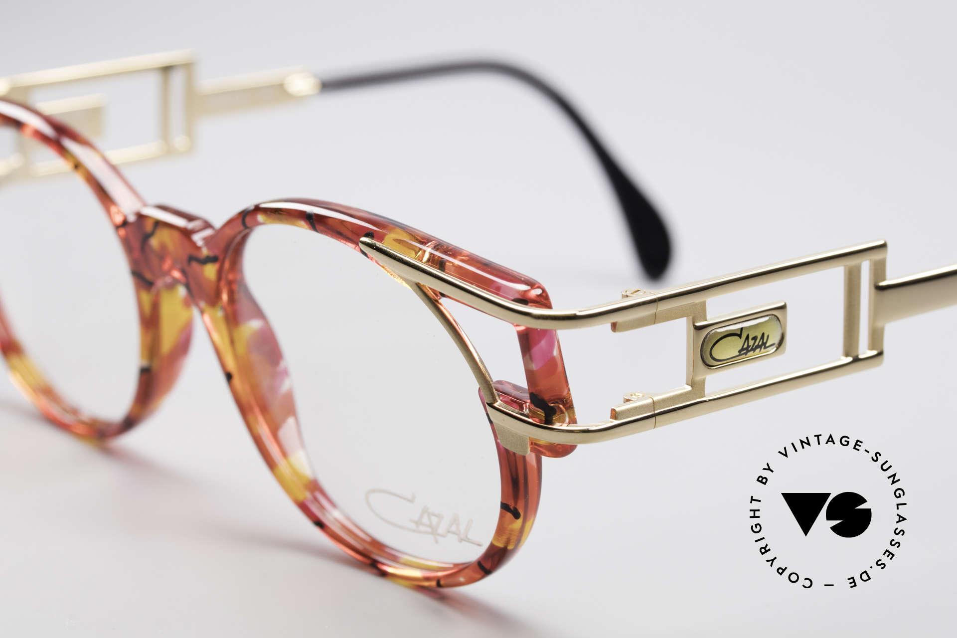Cazal 353 Old School Hip Hop Fassung, heutzutage gerne mal als 'Old-School-Brille' bezeichnet, Passend für Herren und Damen