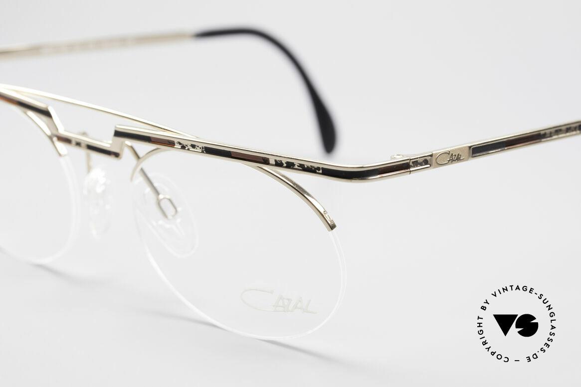 Cazal 758 Original 90er Vintage Brille, Cazal-Katalog Farbbezeichnung: goldbraun-schwarz, Passend für Herren und Damen