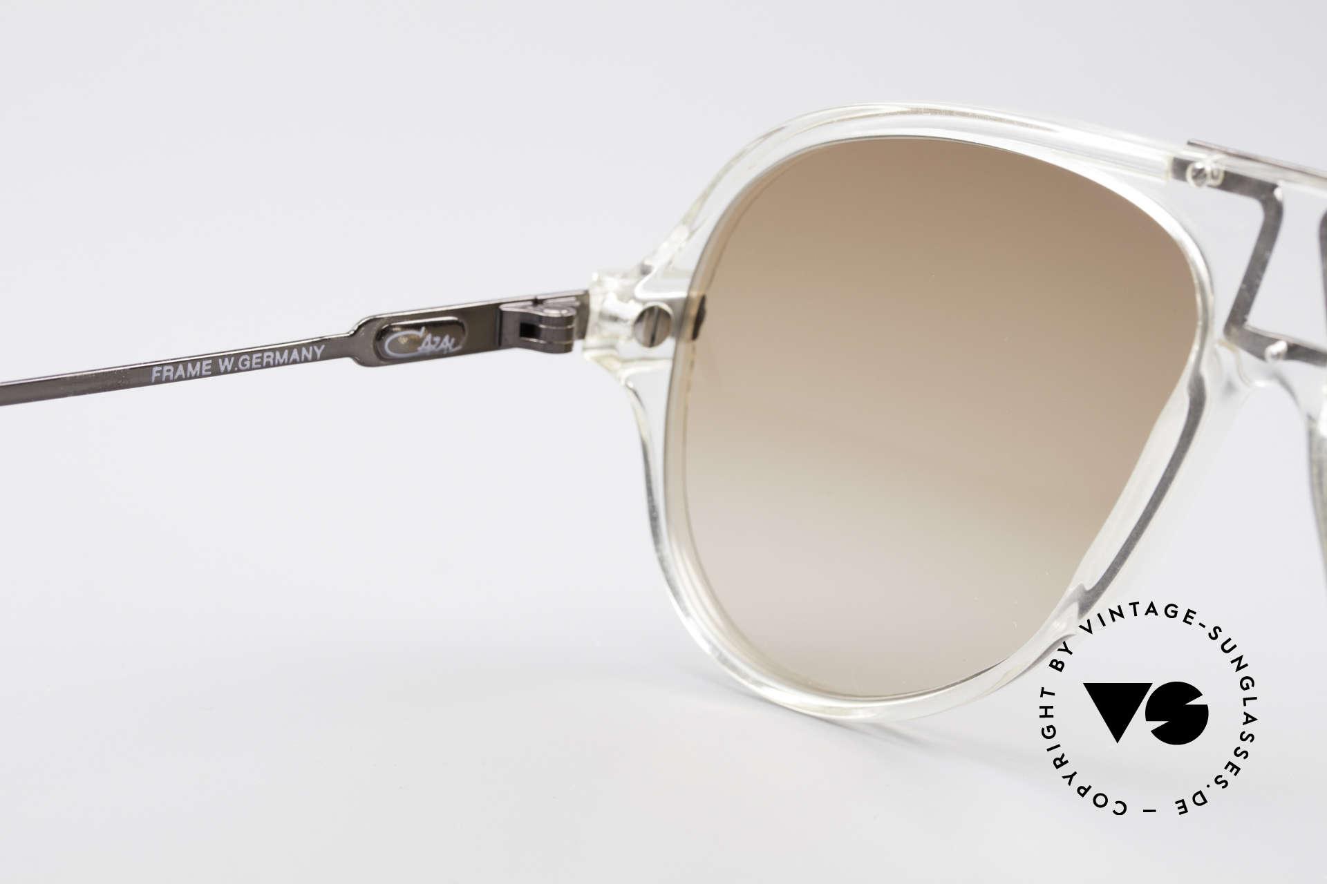 Cazal 622 Vintage Piloten Sonnenbrille, Sonnengläser in rehbraun-Verlauf; 100% UV Protection, Passend für Herren