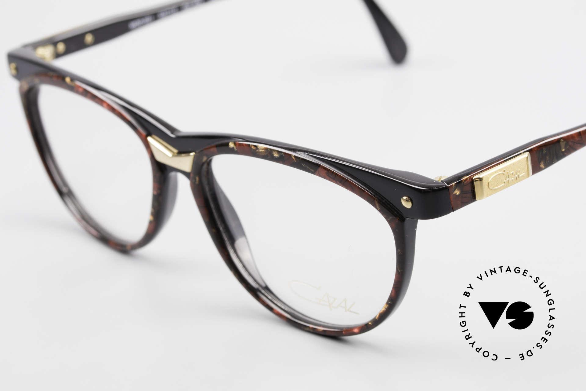 Cazal 331 True Vintage Designer Brille, ungetragen (wie alle unsere vintage Cazal Brillen), Passend für Herren und Damen