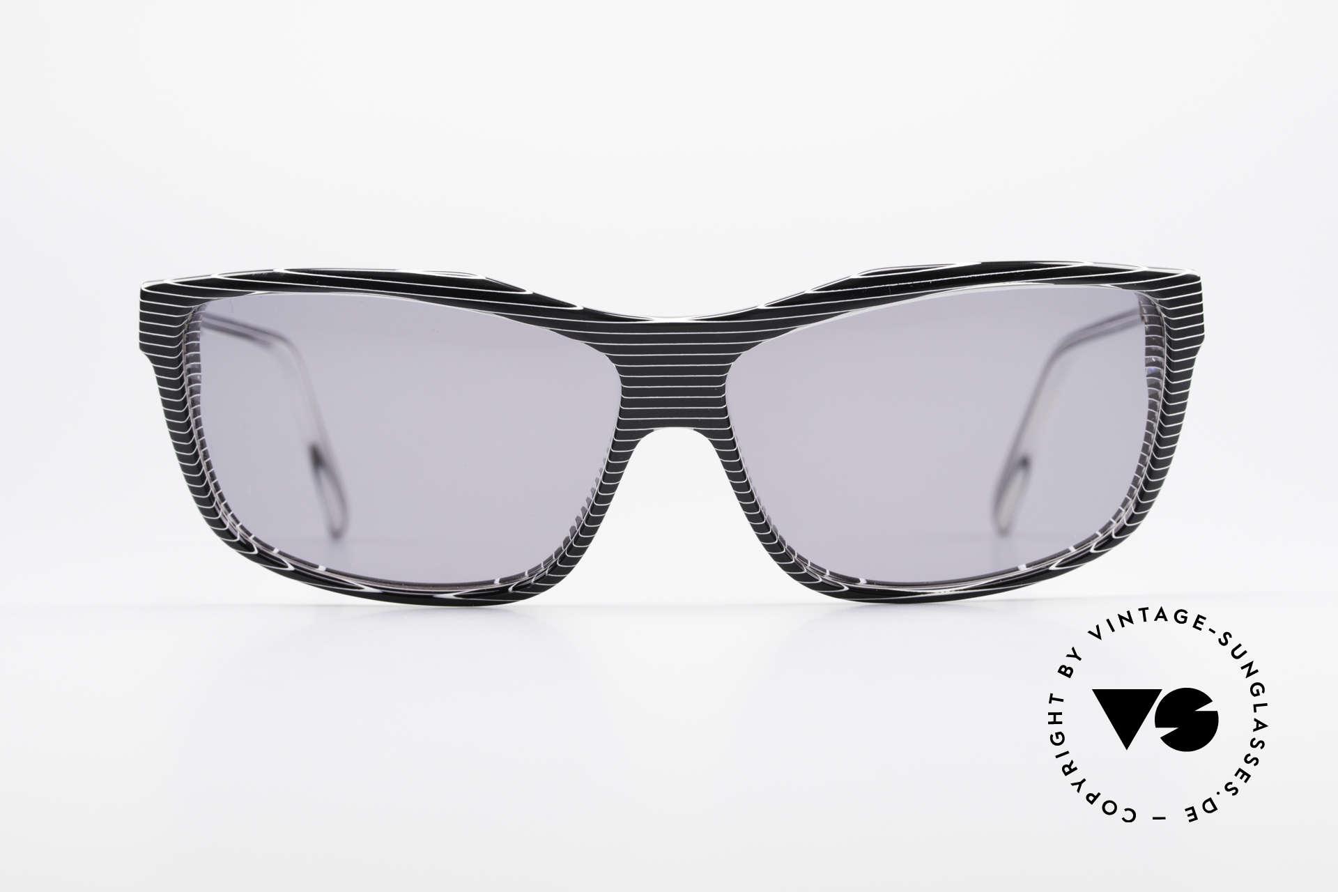 Alain Mikli 701 / 986 Rare Designer Sonnenbrille, spektakuläres Rahmenmuster: kristall / grau- gestreift, Passend für Damen