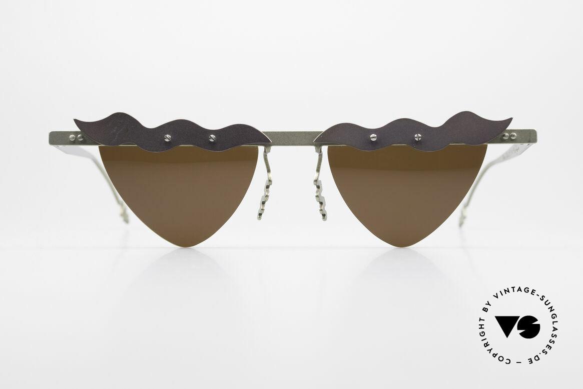 Theo Belgium Tita II C10 Herzförmige Sonnengläser, in 1989 gegründet als 'ANTI MAINSTREAM' Brillenmode, Passend für Damen