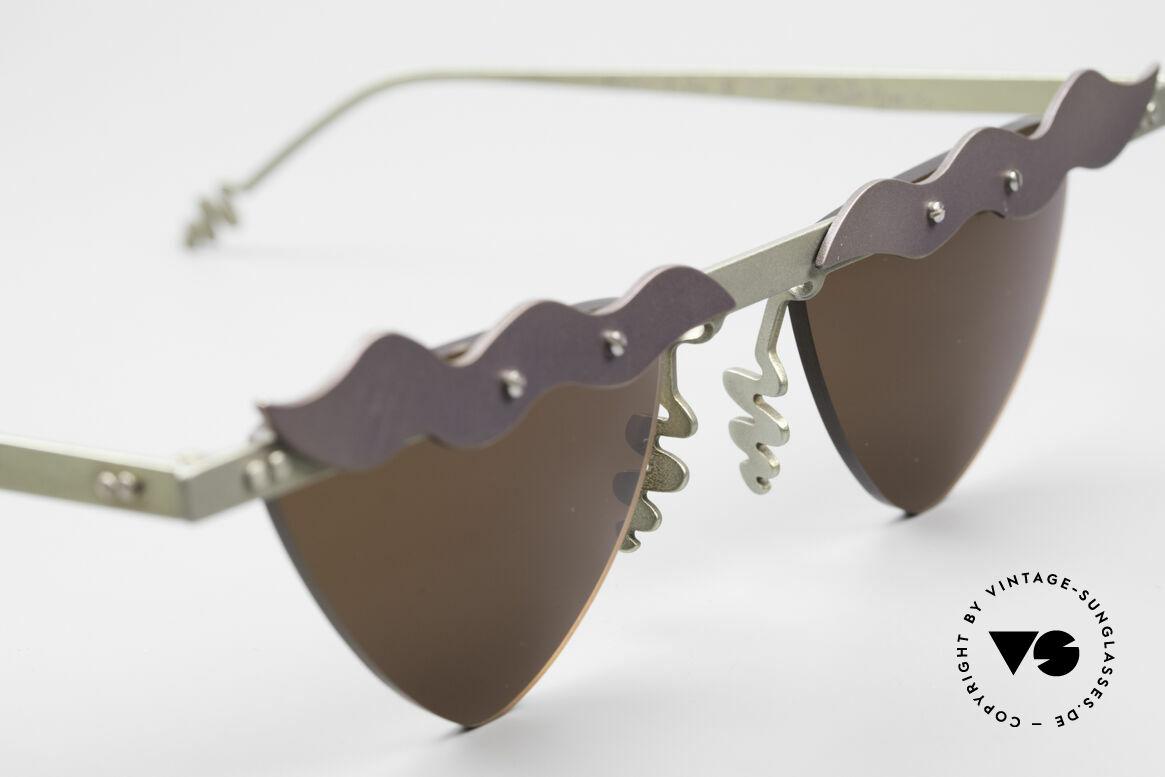 Theo Belgium Tita II C10 Herzförmige Sonnengläser, ungetragenes Theo-Einzelstück für die, die sich trauen!, Passend für Damen