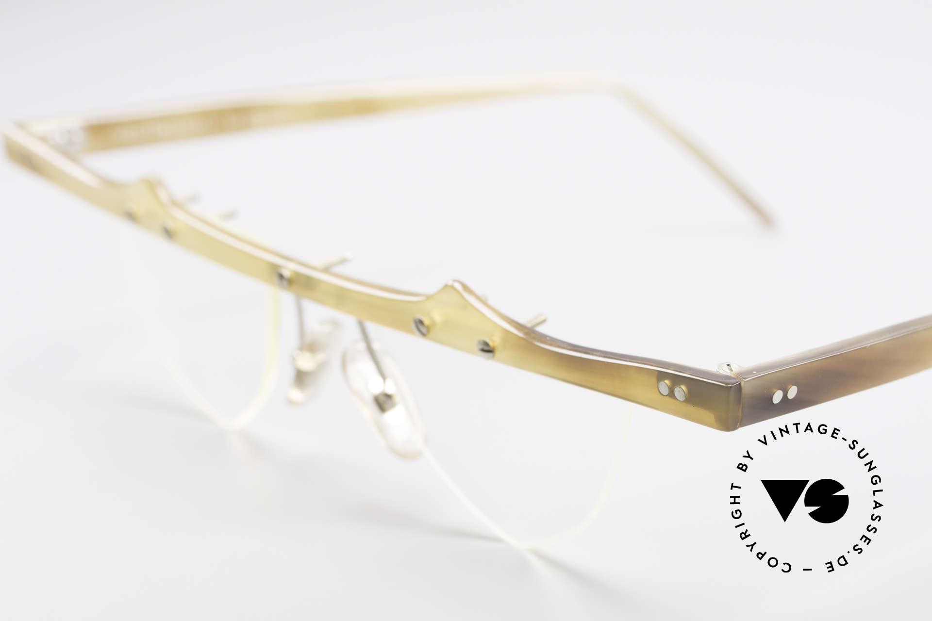 Theo Belgium Eta 90er Büffelhorn Herzbrille, dieses Modell mit herzförmigen Demogläsern & in Gr. L, Passend für Damen