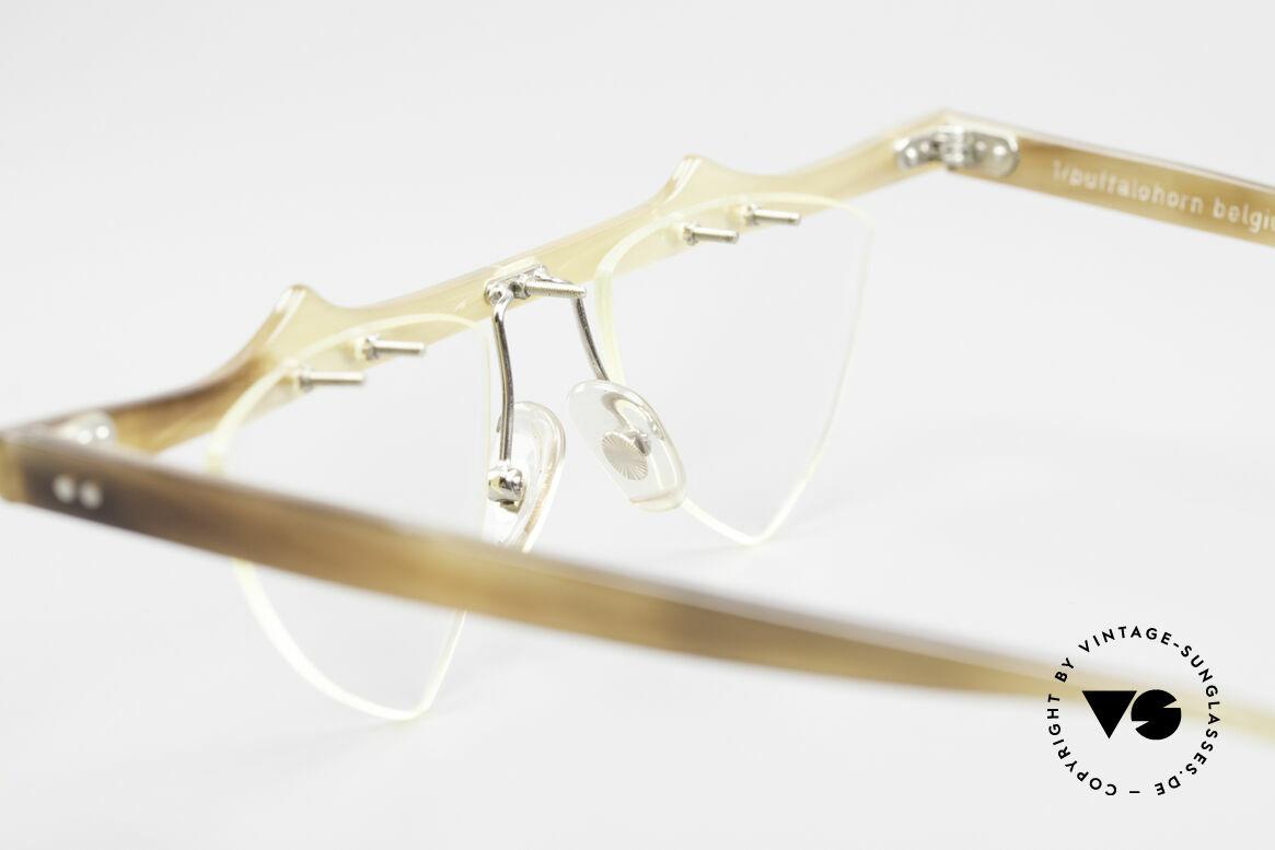 Theo Belgium Eta 90er Büffelhorn Herzbrille, Größe: large, Passend für Damen