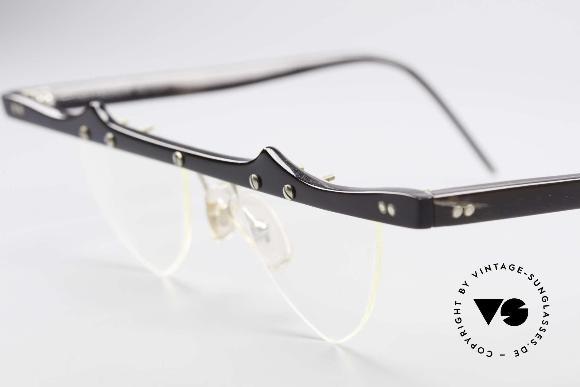 Theo Belgium Eta 90er Herzbrille Büffelhorn XL, dieses Modell mit herzförmigen Demogläsern & in Gr. XL, Passend für Damen