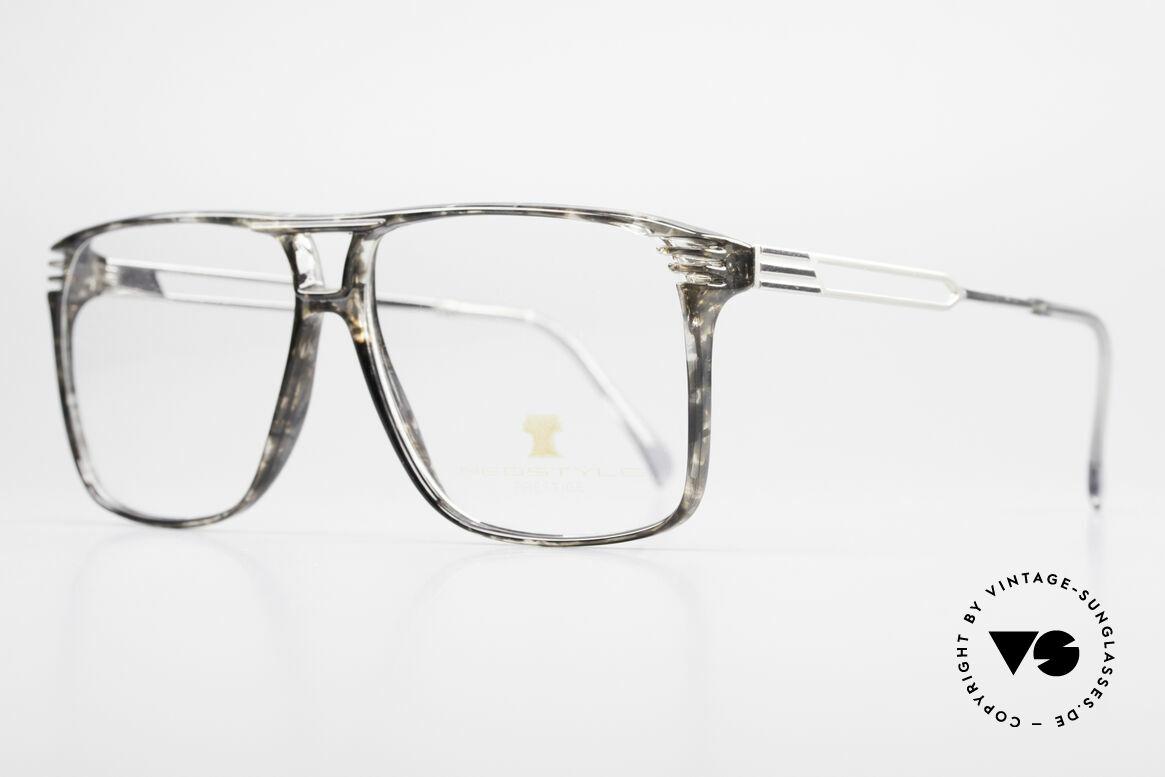Neostyle Rotary Prestige 33 Titan Fassung 80er Brille, typischer Farbton für die damalige Zeit: frühe 80er, Passend für Herren