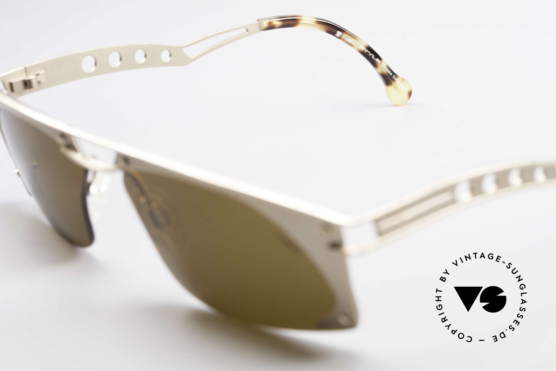Neostyle Holiday 968 Steampunk 90er Sonnenbrille, ungetragen (wie all unsere Neostyle Sonnenbrillen), Passend für Herren