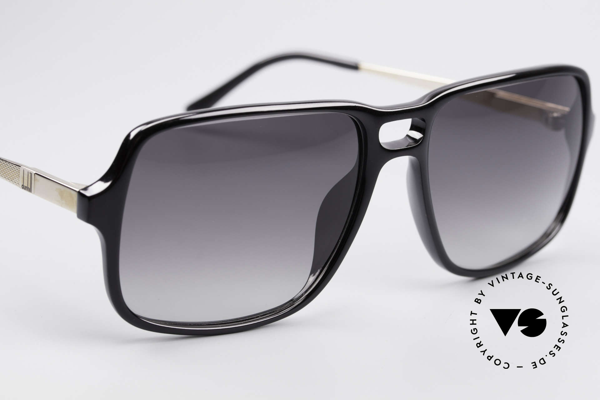 Dunhill 6074 Alte 80er Herren Sonnenbrille, ungetragen; wie all unsere 80er Dunhill Originalbrillen, Passend für Herren