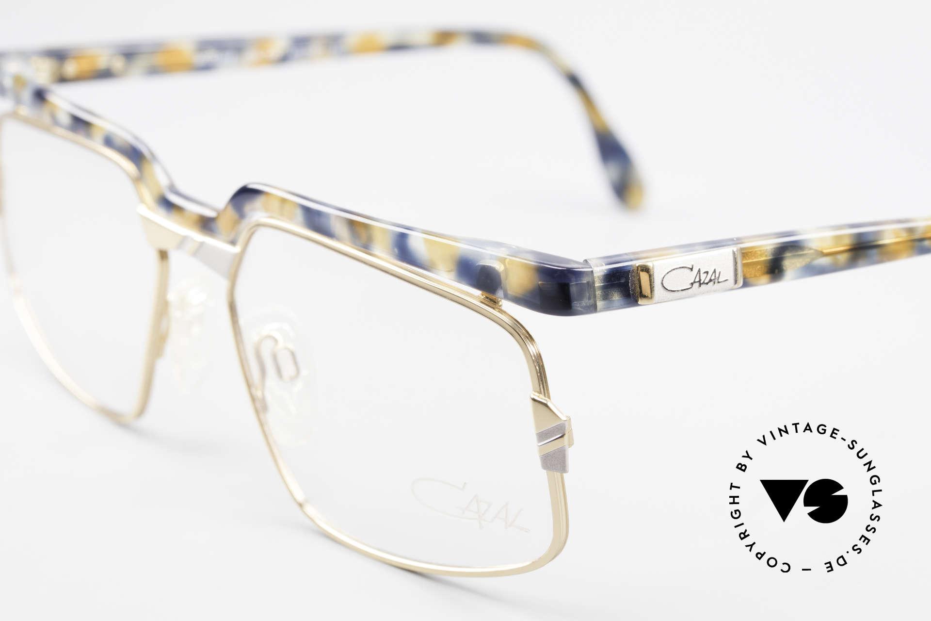 Cazal 246 Außergewöhnliche 90er Cazal, ungetragen (wie alle unsere vintage Designerbrillen), Passend für Herren und Damen