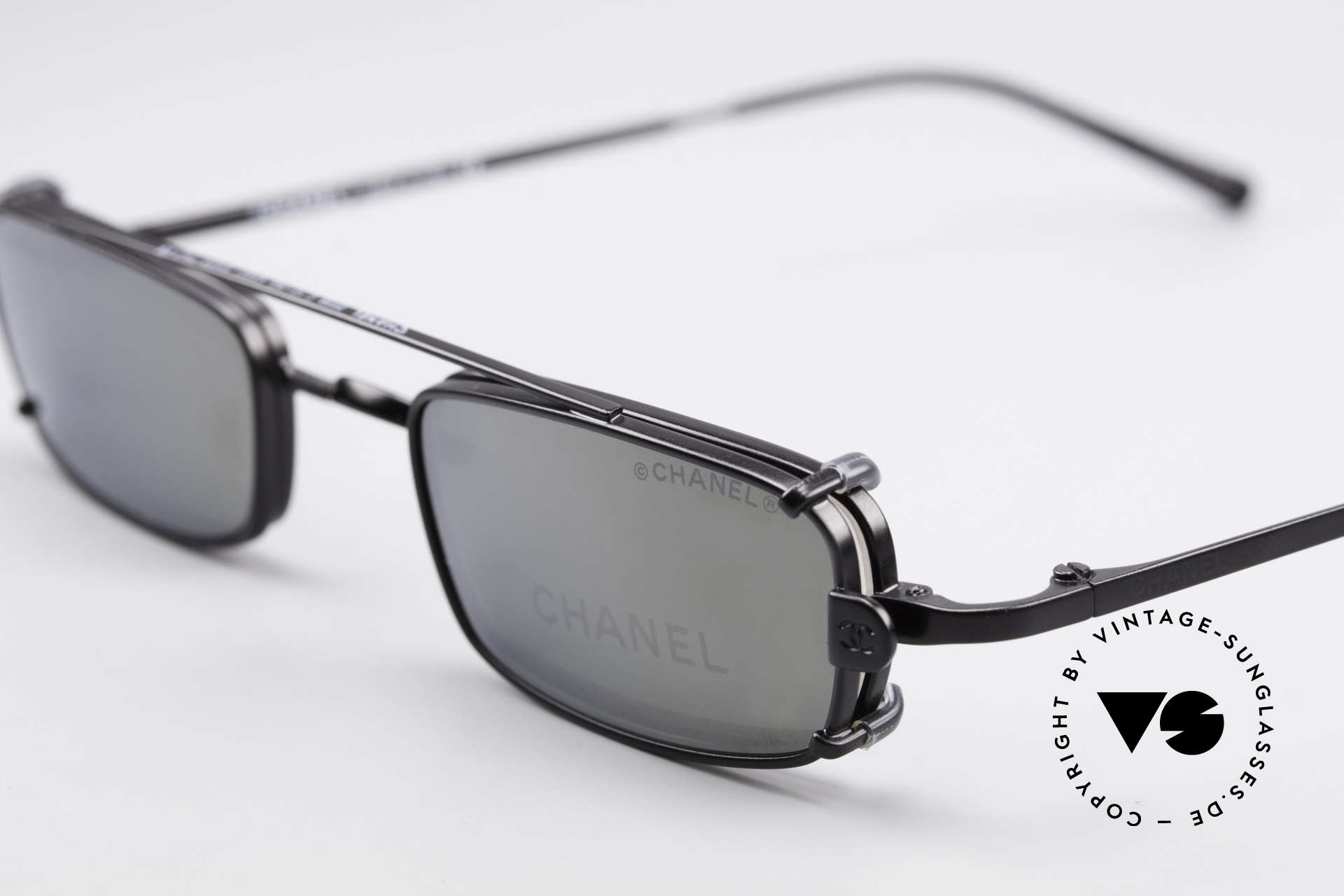 Chanel 2038 Luxus Brille Eckig Sonnenclip, Sonnengläser sind leicht verspiegelt grau (100% UV), Passend für Herren und Damen