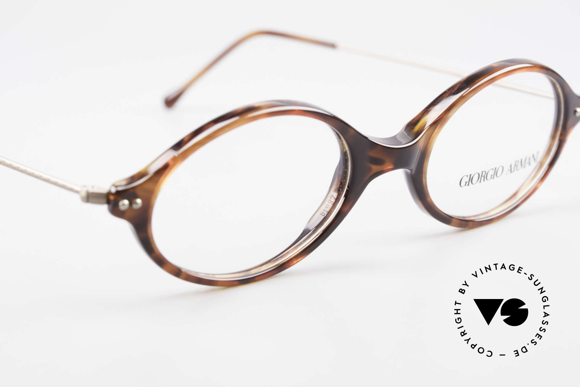 Giorgio Armani 378 90er Unisex Brille Oval, ein ungetragenes G. Armani Original aus den 90ern, Passend für Herren und Damen