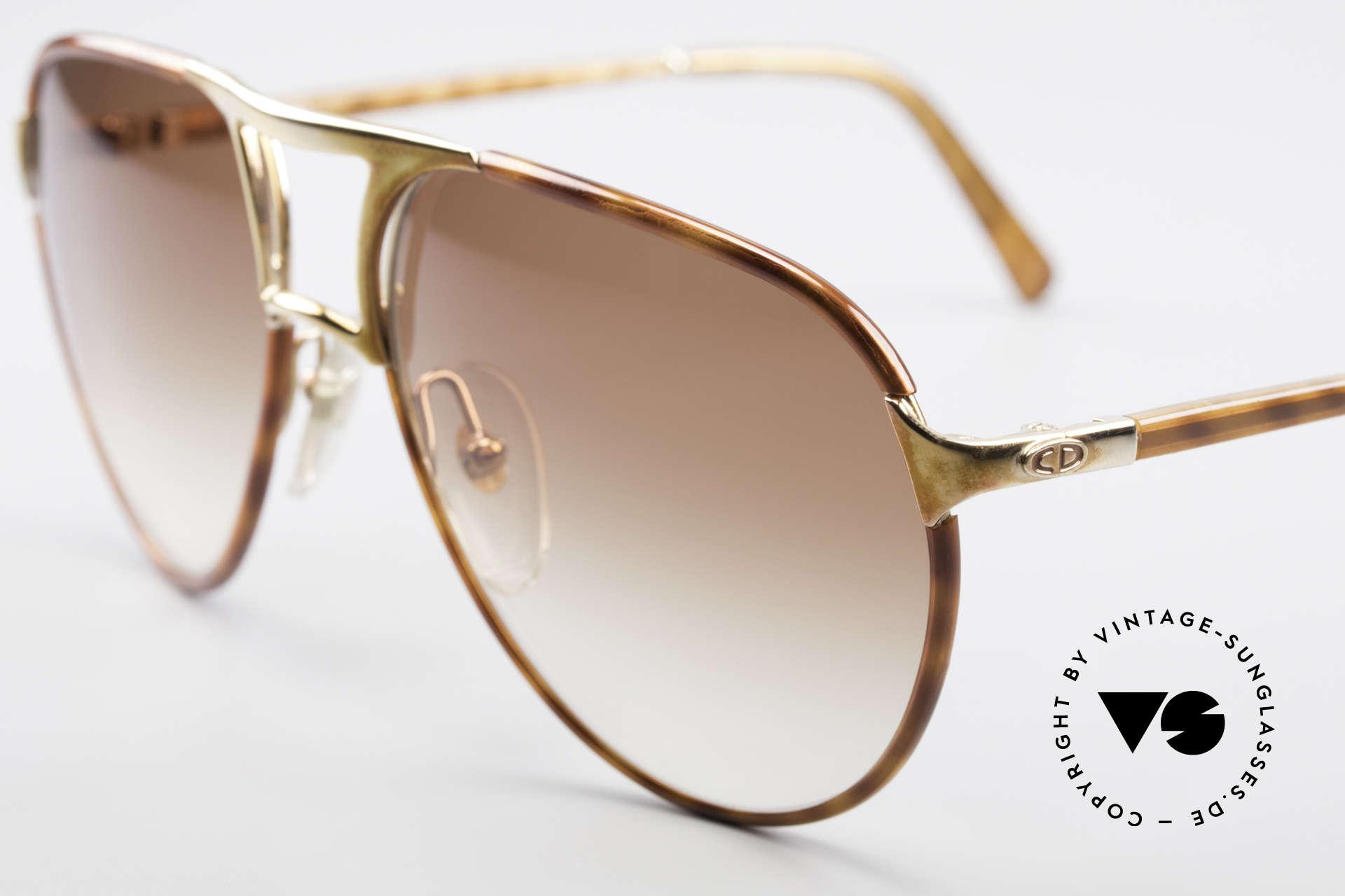 Christian Dior 2505 Designer Aviator Sonnenbrille, vergoldete Metallkomponenten; 100% UV Schutz, Passend für Herren