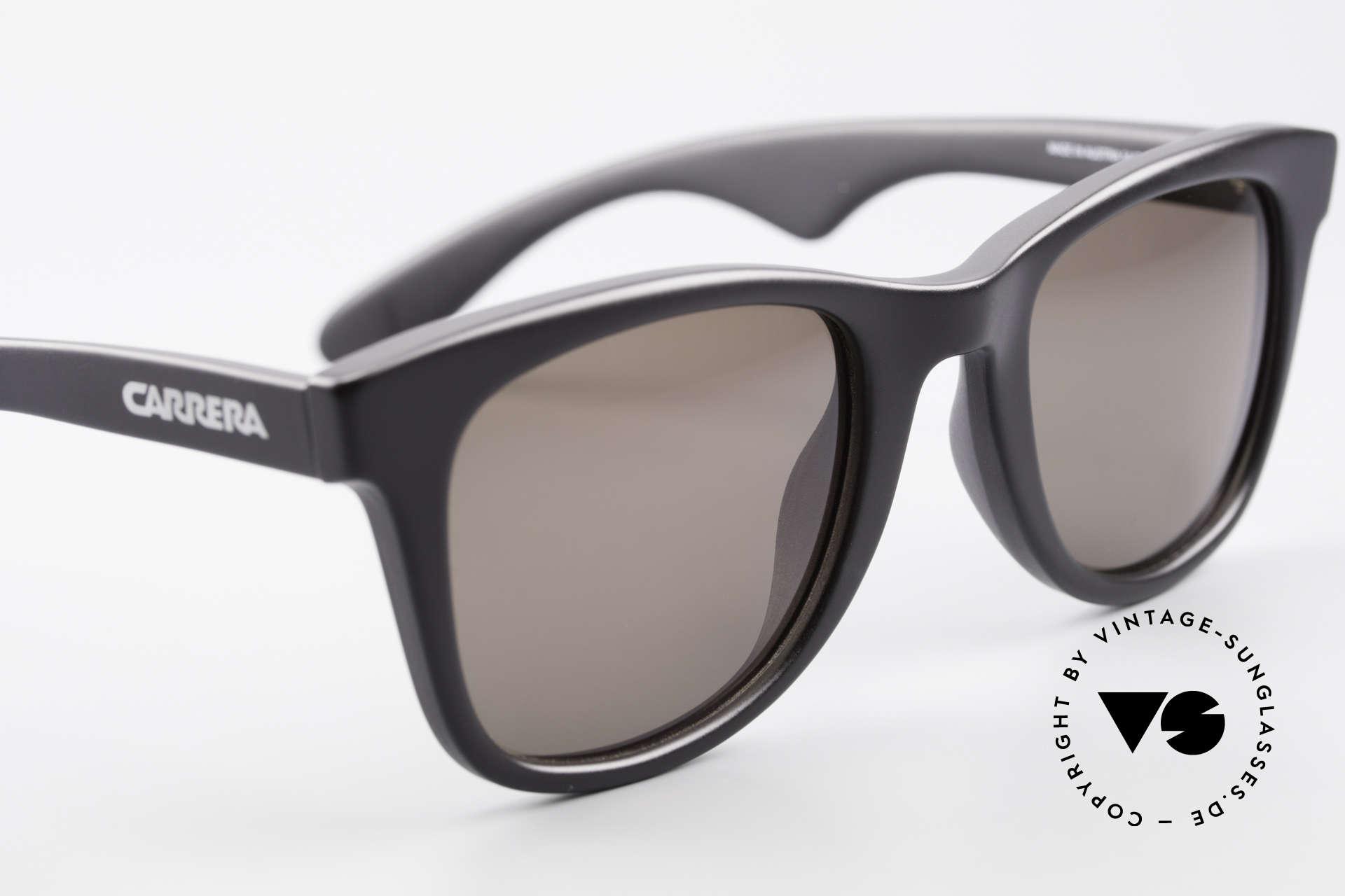 Carrera 5447 Sonnenbrille Im Wayfarer Stil, ungetragenes Einzelstück (inkl. Movado Stoffbeutel), Passend für Herren und Damen