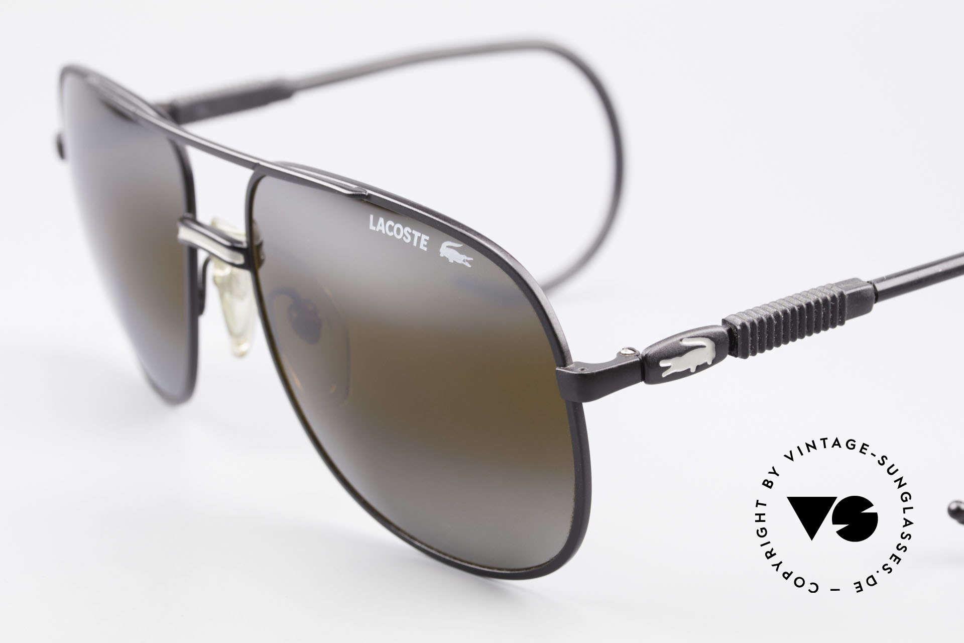 Lacoste 101S Sportliche Aviator Brille XL, Gr. XL 60-17 mit doppelt verspiegelten Sonnengläsern, Passend für Herren