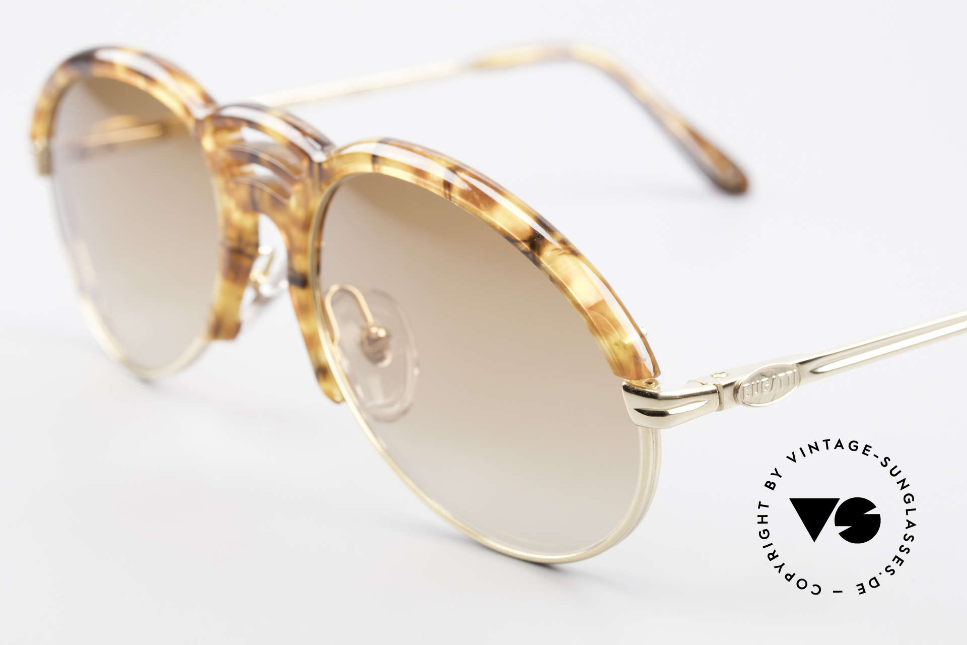 Bugatti 15287 Bernstein Optik Sonnenbrille, höchster Tragekomfort durch beste Verarbeitung, Passend für Herren
