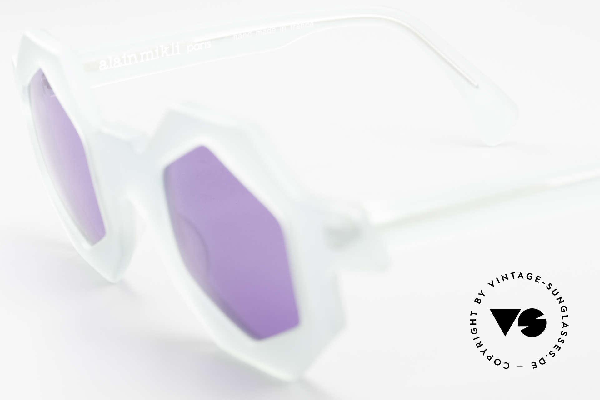 Alain Mikli 0157 / 932 Sechseckige Sonnenbrille 80er, bläulich-transparenter Rahmen mit lila Gläsern, Passend für Damen