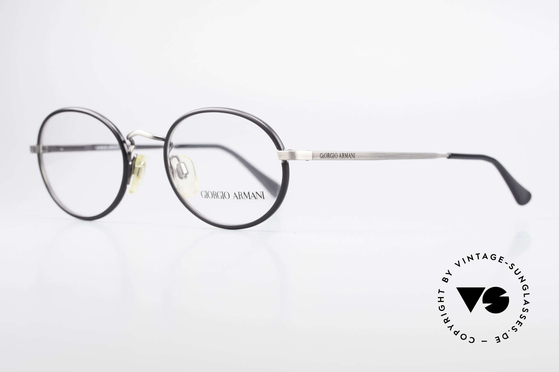 Giorgio Armani 235 Ovale Vintage Brille Unisex, Fassung in 'antik metall' mit schwarzen Windsor-Ringen, Passend für Herren und Damen