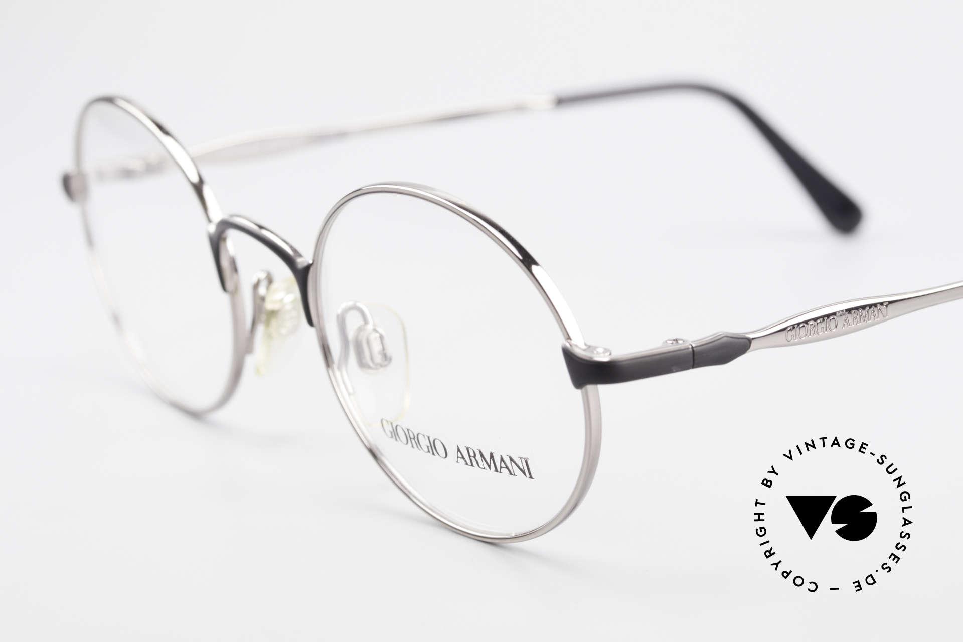 Giorgio Armani 243 Runde Ovale Brille 90er Small, ungetragen (wie all unsere 90er Jahre Klassiker), Passend für Herren und Damen
